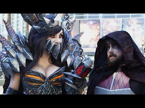 Jessica Nigri Interviews Weird Gamer Guy and Other Fans at Blizzcon 2016!