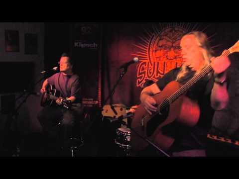 """Violent Femmes - """"Hallowed Ground"""" (Live In Sun King Studio 92 Powered By Klipsch Audio)"""