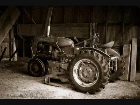 Jason Aldean - Big Green Tractor with lyrics (HQ)