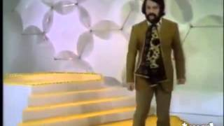 Watch Giorgio Moroder Looky Looky video