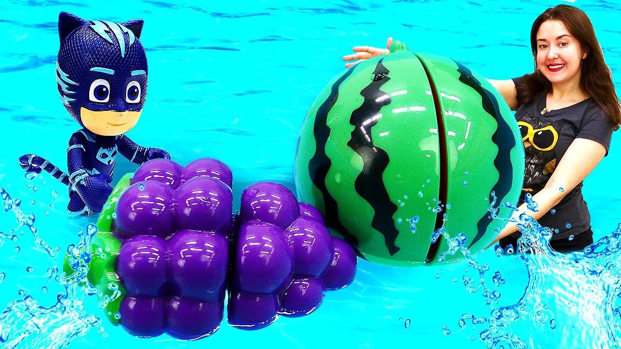 Веселая школа для малышей— Видео для детей смашинками иигрушками— Учим фрукты иягоды!