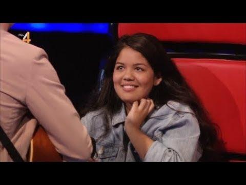 Douwe Bob zingt serenade voor Kaylee | The Voice Kids 2018