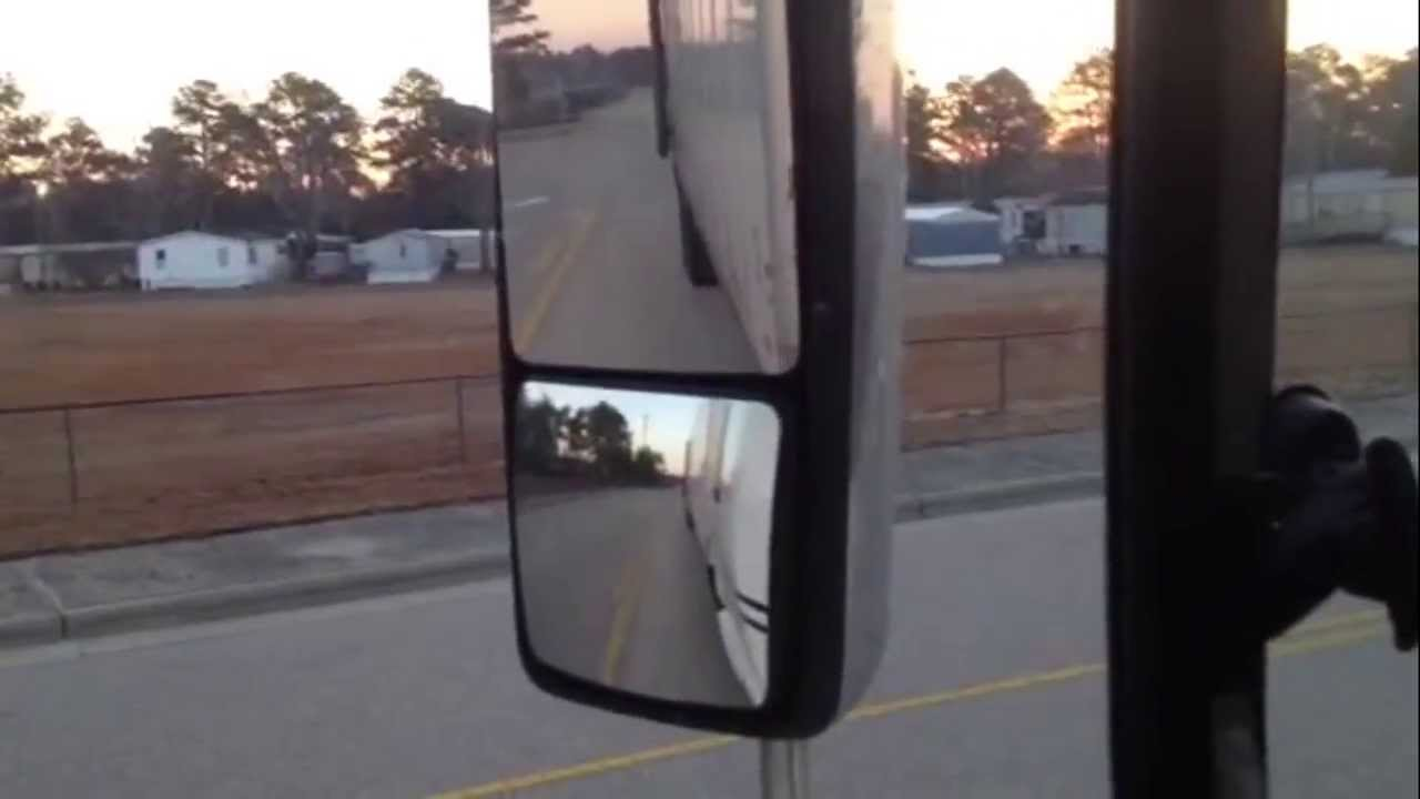 How To Use And Properly Set Your Mirrors On A Big Rig