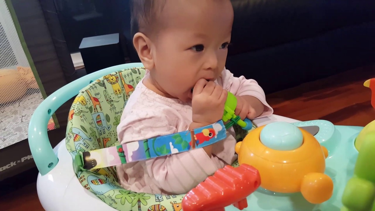 Nuby vs. Munchkin Baby Mesh Net Feeder Review - YouTube