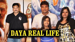 Dayanand Shetty Family With Wife Smitha Shetty and Daughter