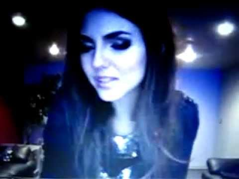 Victoria Justice [first] Live Chat October 23 Part 1/2