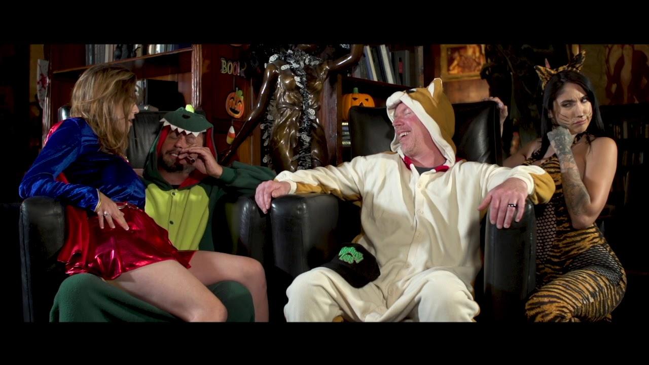 Weedjies: Halloweed Night.  Sal & Richard Meet Chicks