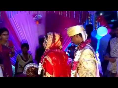 जिजा ने खया थापद साली से - Saali Slaps Jija on her wedding day