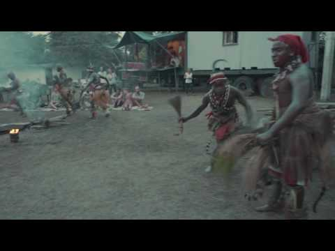 Essences du Gabon - Danse traditionnelle à Ebando