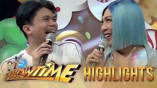 It's Showtime MiniMe 3: Vhong pinches Vice Ganda