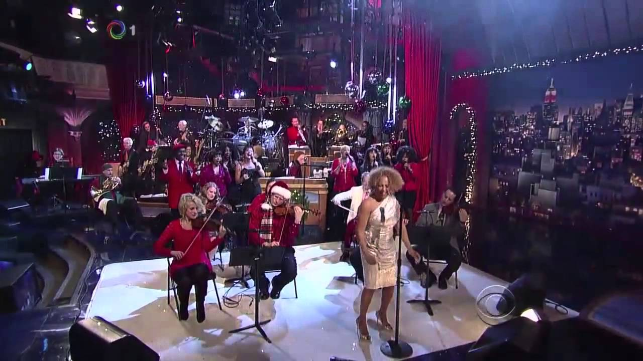 Darlene Love Christmas.Darlene Love 2012 Christmas Baby Please Come Home The Late Show David Letterman