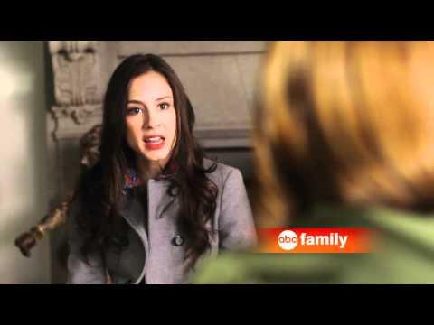 gör Elena och Damon börja dejta