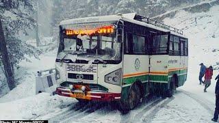 HRTC BUS GETTING SLIDE ON SNOW ||  HIMACHAL PRADESH || HIMALAYAN THAKUR