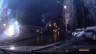 ДТП в Воронеже, из-за которого полгорода осталось без света(На кадрах видеорегистратора видно, что перед опорой выезжает иномарка, на которую на высокой скорость выез..., 2015-12-22T16:59:43.000Z)