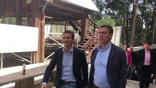 Casado y Feijóo participan en un acto político en Ribeira