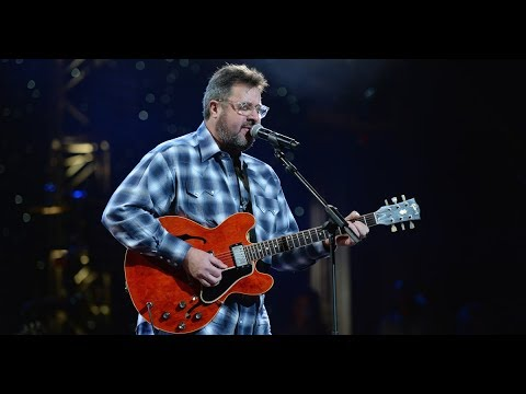 Vince Gill Joins The Eagles!