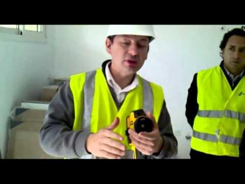 Test d 39 tanch it l 39 air d 39 une maison neuve en bbc youtube - Maison neuve bbc ...
