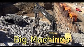 Big Machines Volvo excavator at work