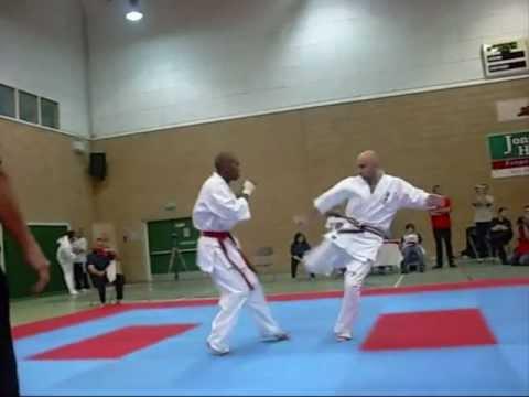 IKO British Open 2010 Midleweight Champion Sithembiso Majozi v Craig Ross