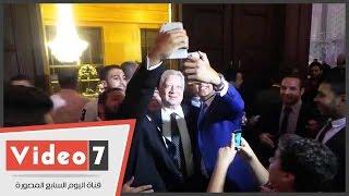 بالفيديو.. الأهلاوية يستقبلون رئيس الزمالك بالسليفى فى زفاف ابنة ضياء السيد