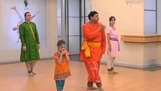 Нескромный современный индийский танец :)