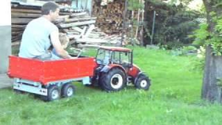 RC traktor Zetor 1:4