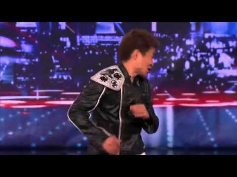 Видео, Уникальный танец в стиле спецэффектов из Матрицы жесть
