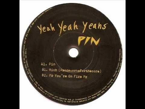 Клип Yeah Yeah Yeahs - Rich (Pandaworksforthecops)