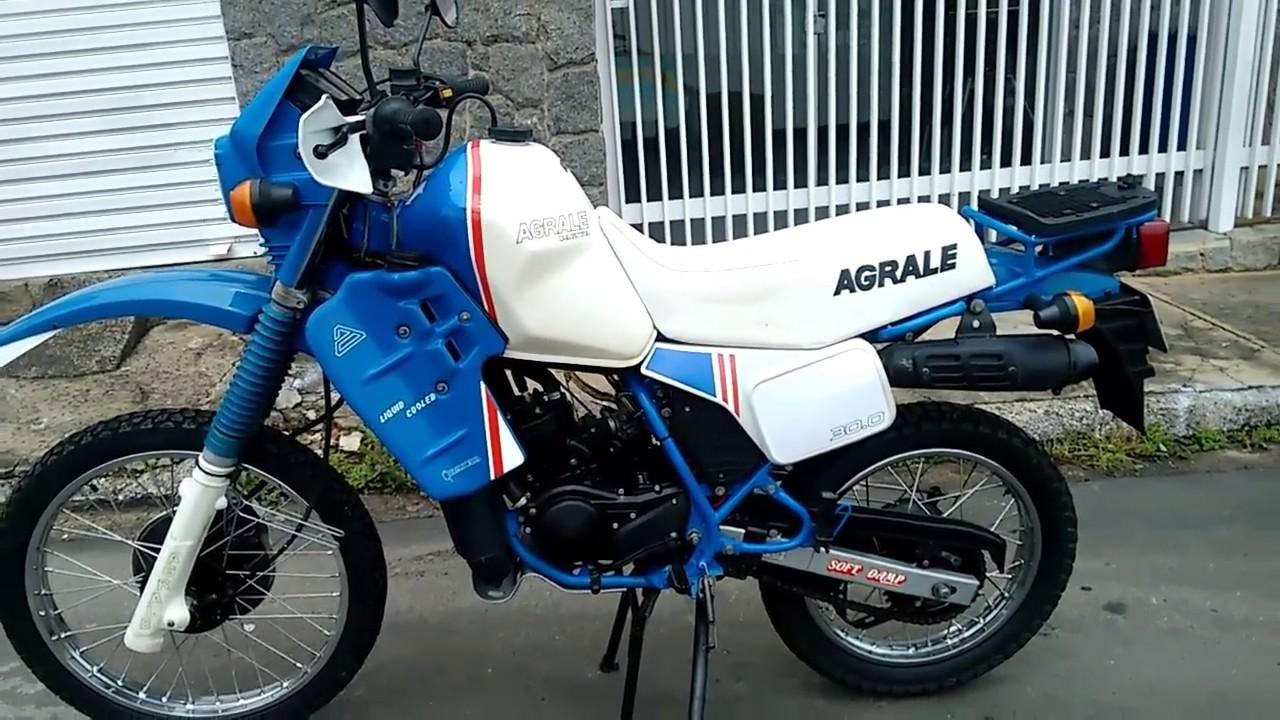 Agrale Dakar 30.0 1987 mais de 20 anos encostada em fim pronta para placa preta .