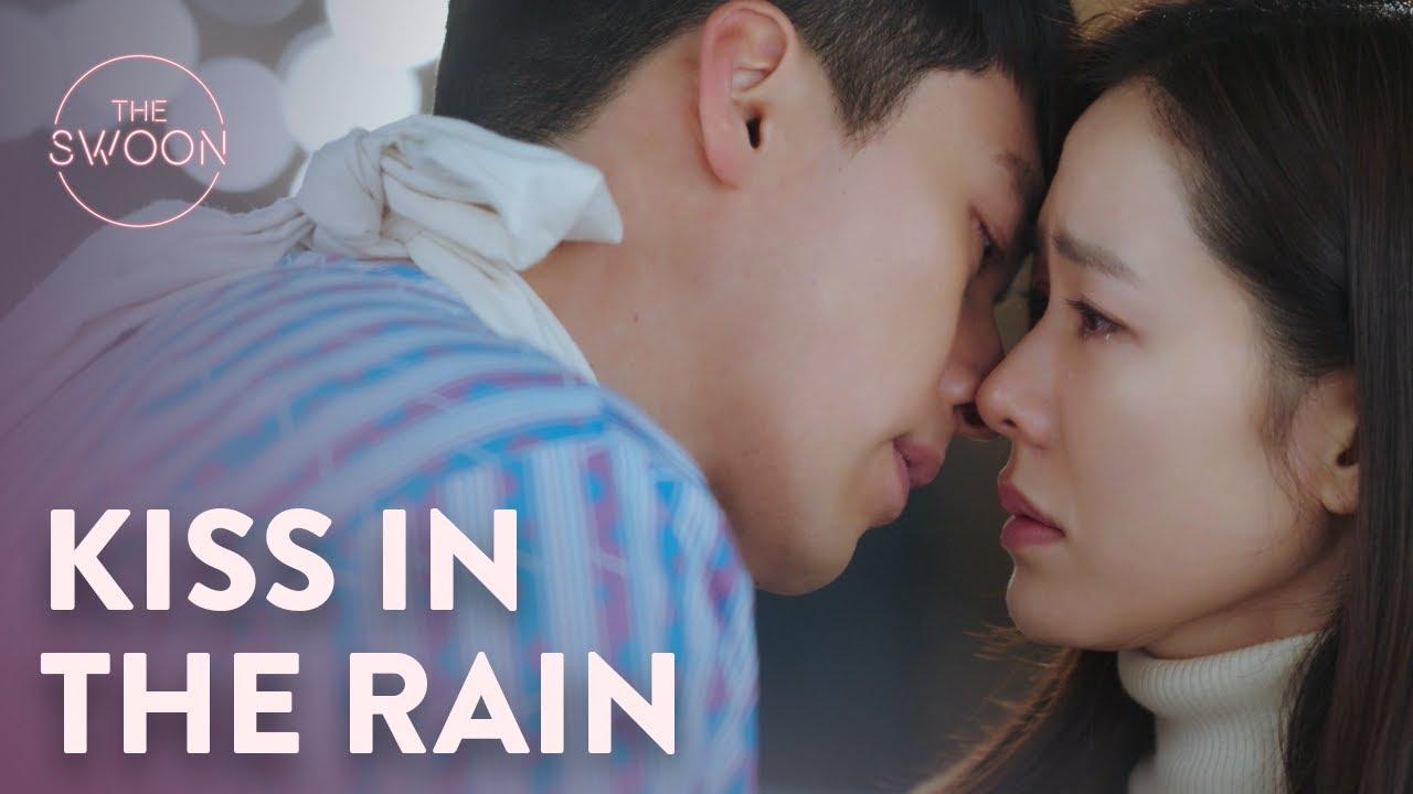 Download Hyun Bin kisses Son Ye-jin's tears away | Crash Landing on You Ep 7 [ENG SUB]
