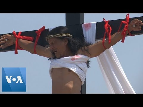 Filipino Jesus Christ Actor Gets Crucified for 33rd time on Good Friday