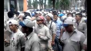 """Aksi buruh """" YAMAHA & MKM """"  di Jakarta Timur"""