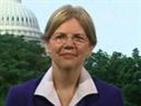 Warren Sees 'A Lot of Problems' in U.S. Banking System: Video