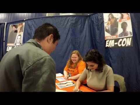 Elysia Rotaru signing autograph at EMCon 17