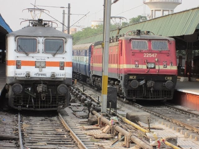 Indian Railways: WAP4 vs WAP7, Which Locomotive is Better? Travel Video