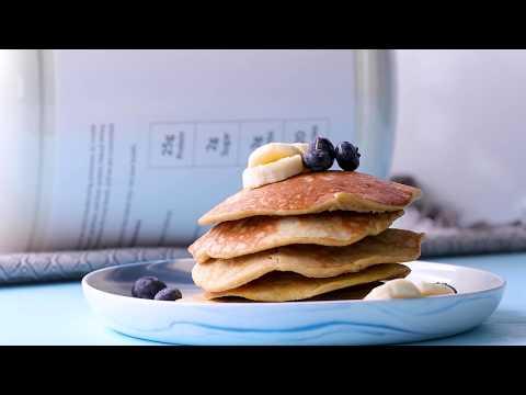 easy-+-healthy-banana-protein-pancakes-recipe- -naked-nutrition