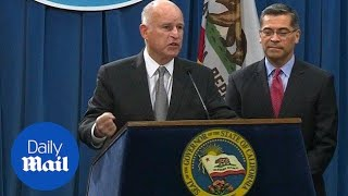 connectYoutube - California Governor Jerry Brown fires back at Jeff Sessions - Daily Mail