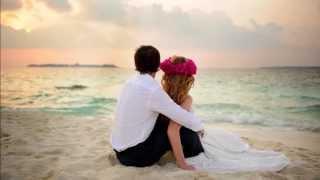 「愛の讃歌」は、フランスのシャンソン歌手、エディット・ピアフ(Édith...