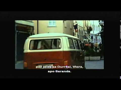 """A1 Report - Çmimet """"Kult"""", Arben Dërhemi i """"rrëmben"""" trofeun e aktorit më të mirë Robert Ndrenikës from YouTube · Duration:  1 minutes 32 seconds"""
