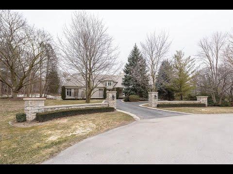 Grand Bill Hicks Mansion in Oakville, Ontario, Canada