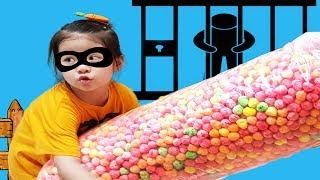 엄마 과자를 더 먹고 싶어요!! 서은이의 자이언트 뻥튀기 과자 아이스크림 퍼즐 도둑 경찰놀이 Giant Popper Snacks