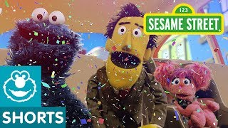 Sesame Street: Abby and Cookie Monster Play Smiley Says | Car Game #1