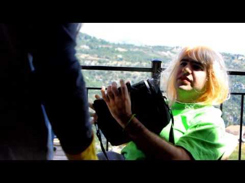 ريمي الحداد يقلد فاديا الشراقة - فاديا الشراقة و سينكارا Rémy Haddad imitating Fadia El Cherre2a