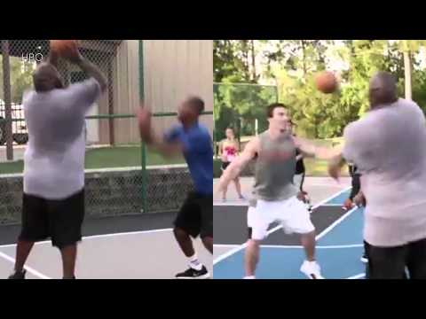 325-Pound Vince Wilfork Dominates Pickup Basketball, Calls Himself