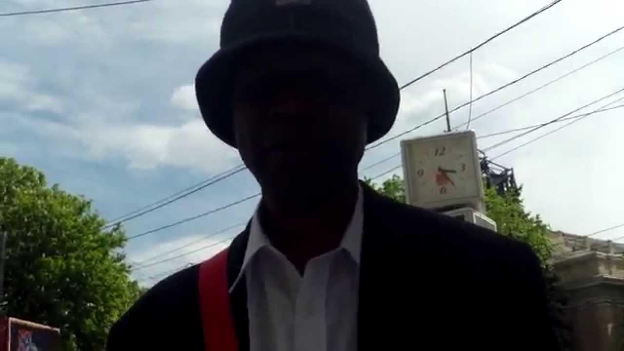 John Onoje are mai mult de 300 de semnături