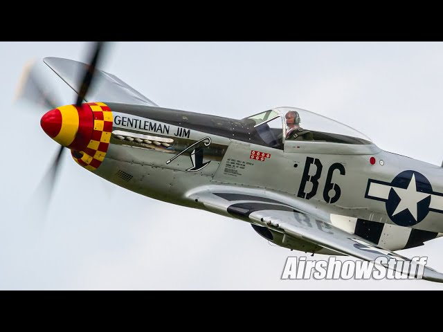 Low and Fast P-51 Flybys!