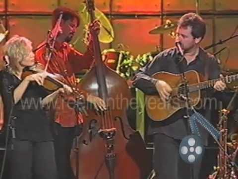 """alison-krauss-&-union-station-""""man-of-constant-sorrow""""-live-2003-(reelin'-in-the-years-archives)"""