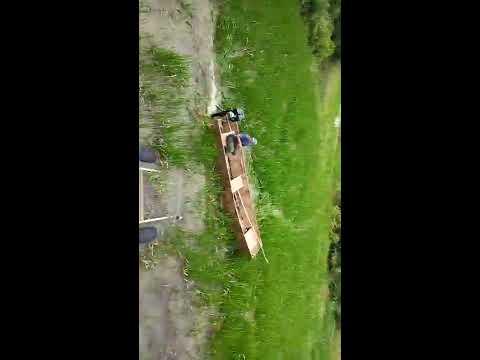 видео: лодка болотоход по траве