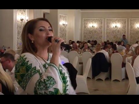 Angela Rusu - Am plecat candva pe jos (live eveniment)