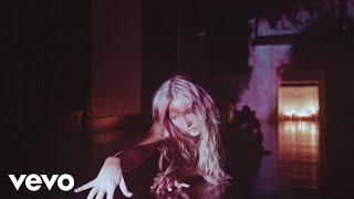 Смотреть клип Lennon Stella - Fear Of Being Alone